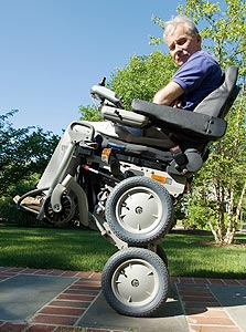"""כיסא גלגלים מטפס במדרגות, שממציא הסגוויי, דן קיימן, ניסה לפתח. """"לא היה שם תכנון מראש"""""""