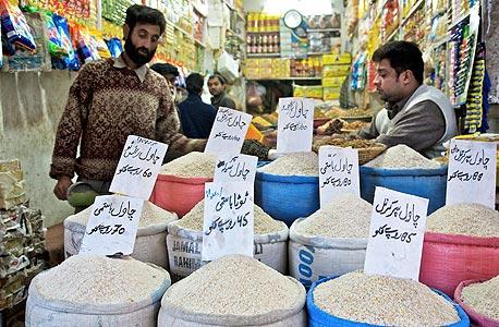 """פקיסטן. עוד """"מהפכת פייסבוק""""? צריך להיות נאיבי כדי לחשוב ככה, צילום: בלומברג"""