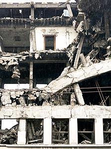 מבנה שקרס ברעידת אדמה (ארכיון)