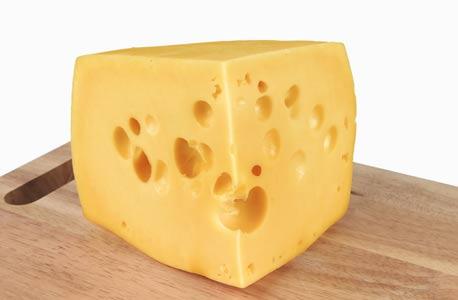 גבינה עם חורים. עניין של גזים