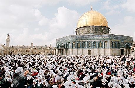 מתפללים בירושלים