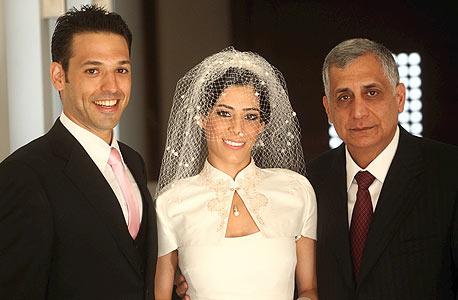 פיני כהן והזוג נועה ודותן, צילום: דני כהן