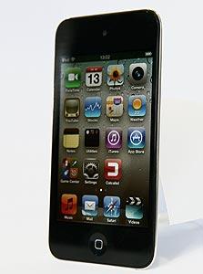 אייפוד טאץ'. הצרכנים שרוצים לחסוך כבר מעדיפים לקבל אייפון 3GS תמורת התחייבות
