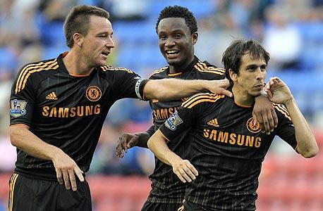 שחקני לונדון צ'לסי FC. יניפו את הגביע בוומבלי?