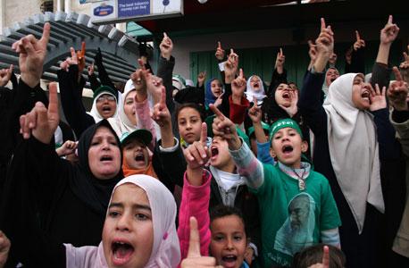 האמת מתגלה: ממשלת חמאס סובלת ממשבר נזילות