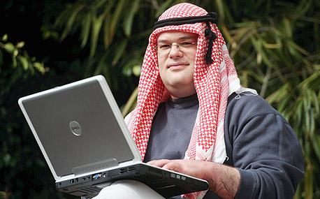 דרור קמיר. 120 ערכים בויקיפדיה הערבית