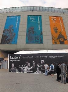 הכניסה לכנס Leaders in Football בסטמפורד ברידג', לונדון, השבוע