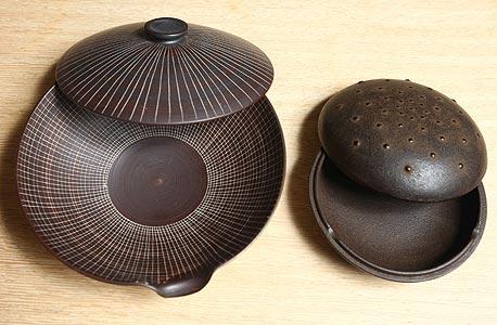 פריטים מתוך הקולקציה היפנית של ספדה