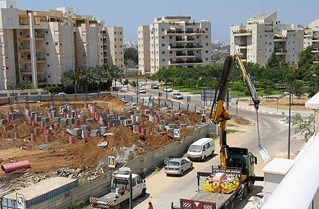 """בנק ישראל: אינדיקציות חיוביות להתמתנות מחירי הנדל""""ן"""