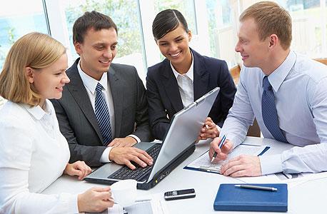 כמעט 30% מהמנהלים סבורים כי דרושים פחות משבועיים כדי להעריך תפקוד של עובד חדש, צילום: shutterstock