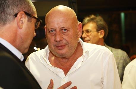 """ישראל פרל באירוע לכבוד יום הולדתו ה-70 של עו""""ד אלי זהר. הופעה פומבית נדירה"""