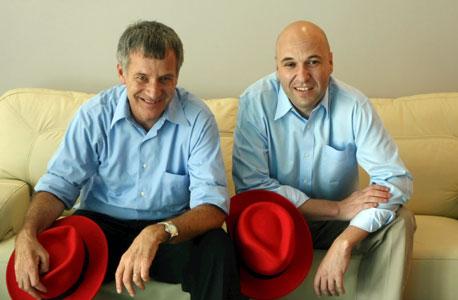 תמיר (מימין) ושניידר. ארבעה אקזיטים בחצי מיליארד דולר