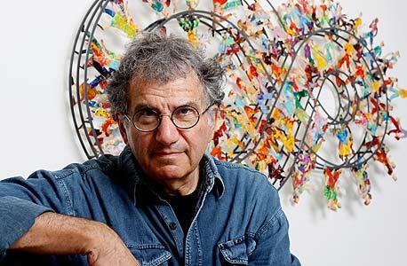 """דוד גרשטיין בגלריה שלו בתל אביב: """"אני מקדים את זמני, אני לא הולך להתחנן לגלריות"""""""