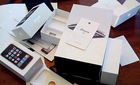 """דו""""ח טכנולוגי: האם אפל גנבה את עיצוב האייפון מסוני?"""