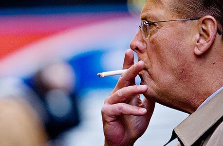 קנס על עישון בפומבי, צילום: בלומברג