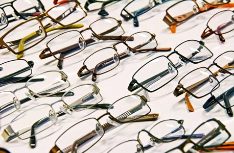 1-800 Contacts to Acquire Home Eye Exam Startup 6over6