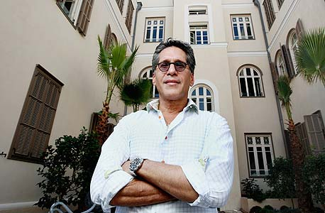 """יוסי פרידמן. """"טיילתי בעיר ומצאתי את עצמי מול שורת בתים ישנים ומוזנחים שהזכירו לי את רומא"""