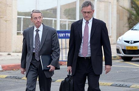 דיווידסון (משמאל) ופרימן בדרך לפגישה עם נתניהו, 11.1.2011