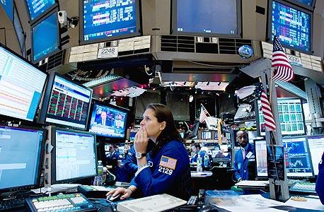 מערכות בקרה בבורסת ניו יורק. האם יעמדו בעומס?, צילום: בלומברג