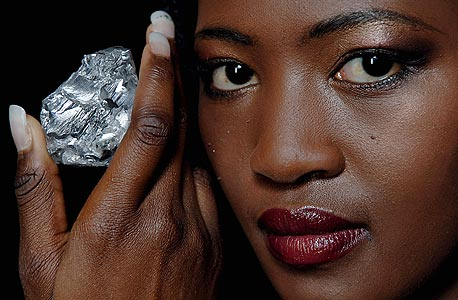 יהלום גולקונדה, אחד היהלומים היוקרתיים בעולם, המאופיין ברמת ניקיון גבוהה במיוחד וצבע לבן שקוף, צילום: בלומברג