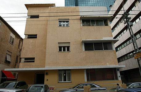 אחד העם 56. בניין לשימור (בית פומרוק) שיוסב למגורים , צילום: עמית שעל