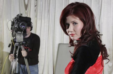 """אנה צ'פמן, מרגלת רוסיה שנעצרה בארה""""ב. """"נשים פיתחו חוכמת רחוב"""""""