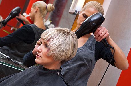 מעצבת שיער, צילום: shutterstock