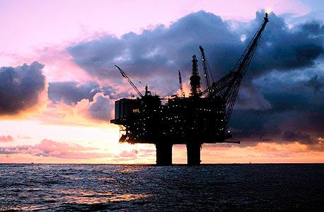 """אסדת נפט. 29% מתפוקת הנפט של ארה""""ב מרוכזים במפרץ מקסיקו, צילום: אי פי אי"""