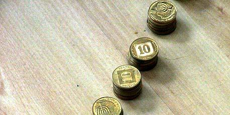 הקרנות אבדו 30 מיליארד שקל, אך עמלות הבנקים עלו ב־4%