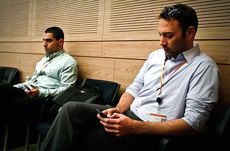 דיוני ועדות הכנסת, פברואר-מרץ 2011. הלוביסטים מושכים בחוטים, צילום: מיקי אלון