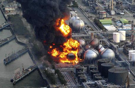 שריפה שפרצה בעקבות רעידת האדמה. הפגיעה - באזור בעל ריכוז גבוה של מפעלים