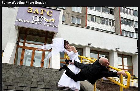 Play: בדרך לחתונה עושים בלאגן