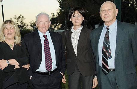 מימין: זאב נוימן, סוזי נבות, יוהדה וינשטין ואורנה בן נפתלי, צילום: ישראל הדרי