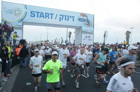 """יצירתיים? מרתון תל אביב יוצא בתחרות """"הסטיקר של המדינה"""""""