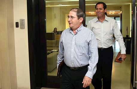 ניר גלעד (מלפנים) ואמיר אלשטיין