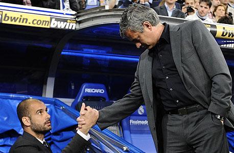 זו'זה מוריניו ופפ גווארדיולה. הפורטוגלי קיבל הצעה לאמן את בארסה לפני פפ, אבל האווירה במועדון שונה כיום לחלוטין