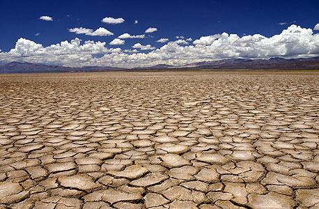 על כל חמישה ליטר מים שזורמים בצינורות העולם ליטר שישי אובד בגלל טפטוף ונזילות – שגוברים ככל שמערכות הצנרת מתיישנות