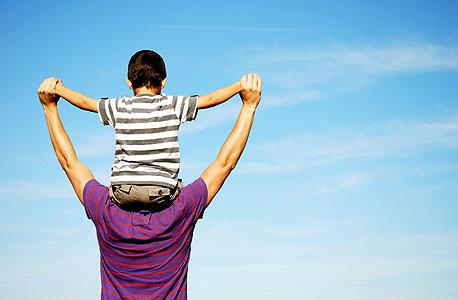 אמהות ואבות נתפסים כאנשים חמים יותר לעומת העובדים ללא ילדים, צילום: shutterstock