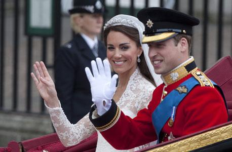הנסיך וויליאם וקייט מידלטון בחתונתם. לא חייבים לממן חתונה מלכותית