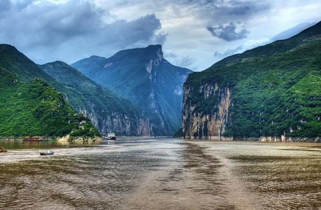 נהר היאנגצה. תנופת הבנייה בסין משפיעה עליו לרעה