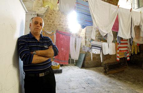 אדיב בחר וחבלי הכביסה שבגינם הוגשה נגדו תביעה