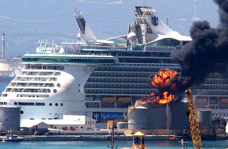עוד צרות לאחים עופר: נוסעים בספינת שייט של רויאל קריביאן נפצעו מפיצוץ במיכל דלק