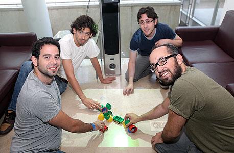 צוות STUI. מימין לשמאל: מור שני, אלון שקד, בן קליפר ויואב דורי
