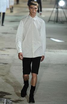 מכנסים קצרים. דריס ואן נוטן, צילום: Getty Images