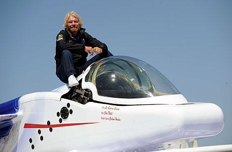 בעלי וירג'ין ריצ'רד ברנסון בצוללת שלו. המיליארדרים רואים בעצמם שליחים
