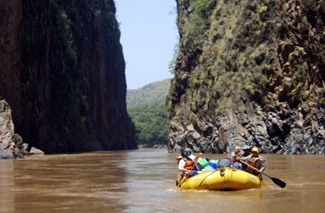 נהר האומו באתיופיה. מחיר: 2,590 דולר ל-14 יום