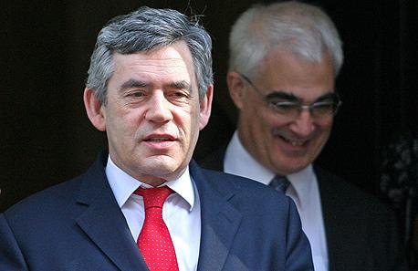 ממשלת בריטניה מגבשת תוכנית חילוץ לבנקים בקשיים בממלכה