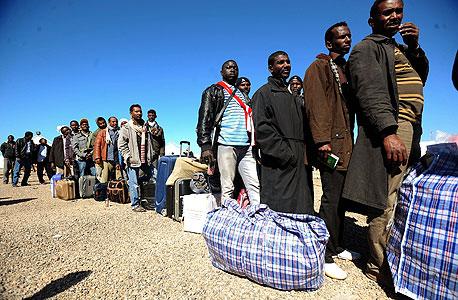 מהגרים מלוב לטוניס, מרץ השנה