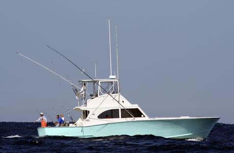 ספינת דיג. לקנות או לשכור?