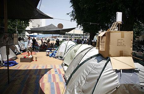 """אוהלים של מפגינים בשדרות רוטשילד בת""""א, צילום: תומי הרפז"""